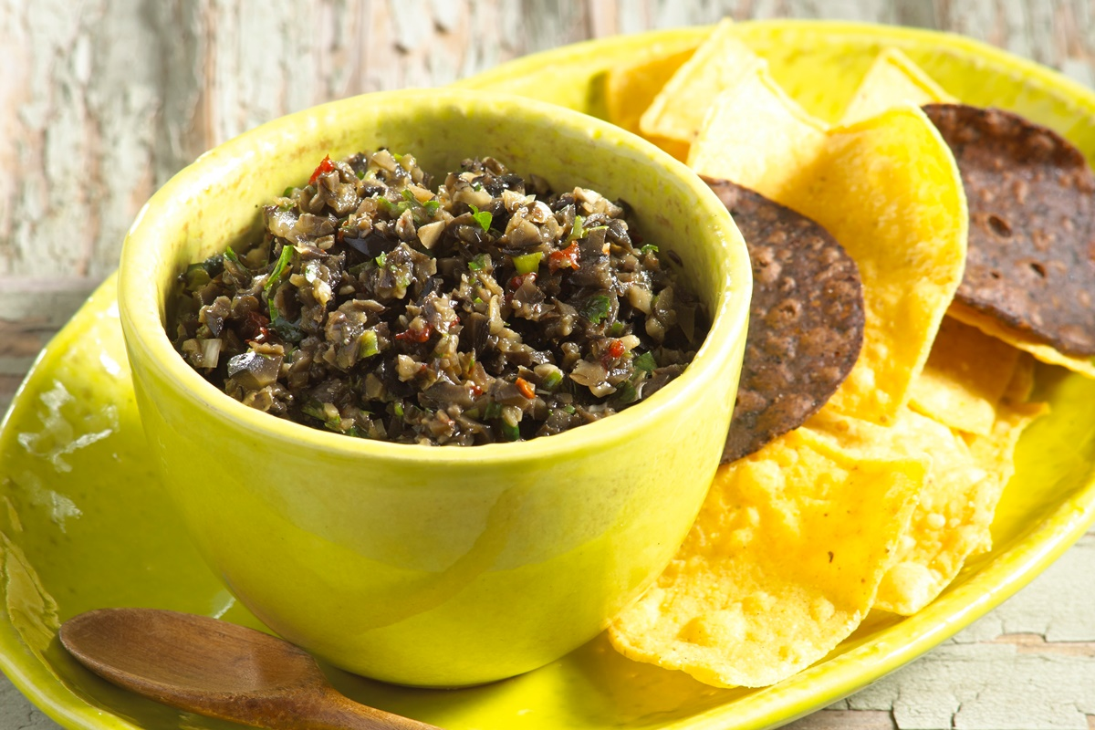 Southwestern Chili Tapenade with Olives Recipe - great dairy-free, gluten-free, vegan appetizer!