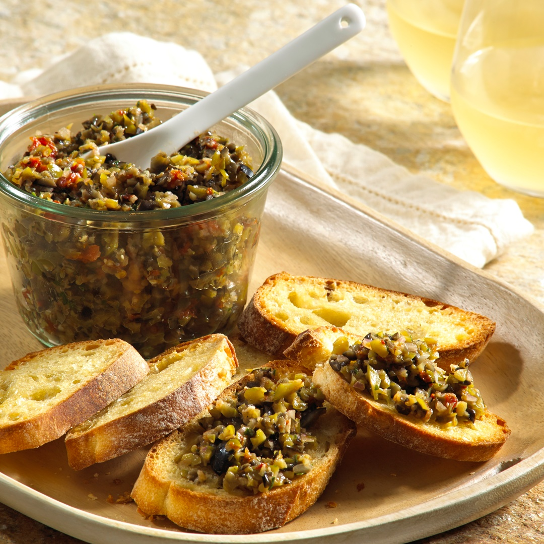 Wine Country Sun-Dried Tomato & Olive Tapenade (dairy-free, gluten-free, vegan)