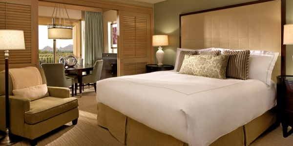 The Phoenician - Canyon Suites Hypoallergenic Suite