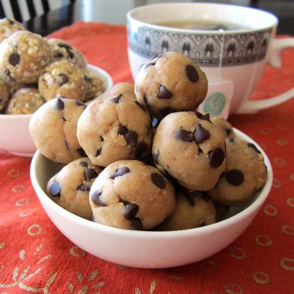 Low-Sugar Dairy-Free Recipes: Chocolate Chip Cookie Dough Snack Balls