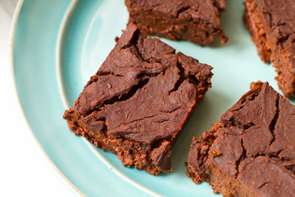 Healthy Raspberry Protein Brownies Recipe