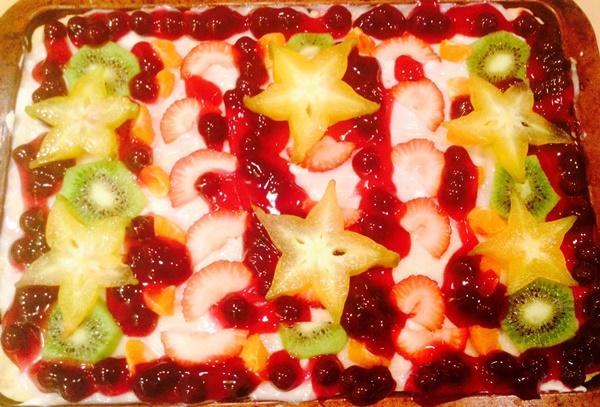 Fruit Tart Pizza