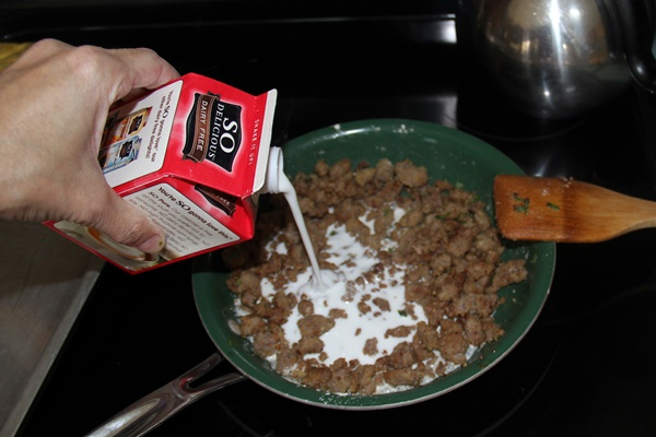 Waffles, Eggs and Dairy-Free Sausage Gravy