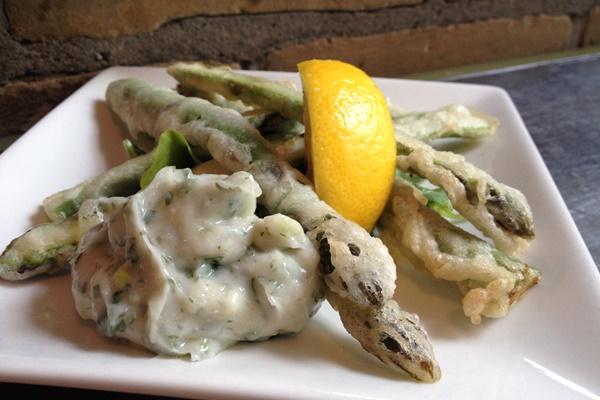 Asparagus Tempura with Garlic Cilantro Dip (vegan, dairy-free)