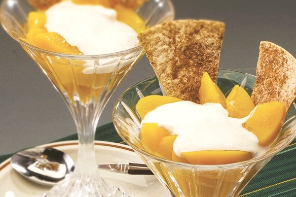 Peach-Yogurt Dip with Cinnamon Sugar Scoops