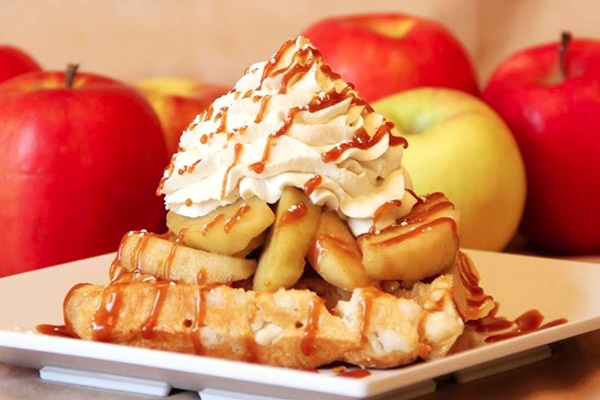 Ellie's Waffles, Smoothies, and Sweets - A kosher eatery with many dairy-free options