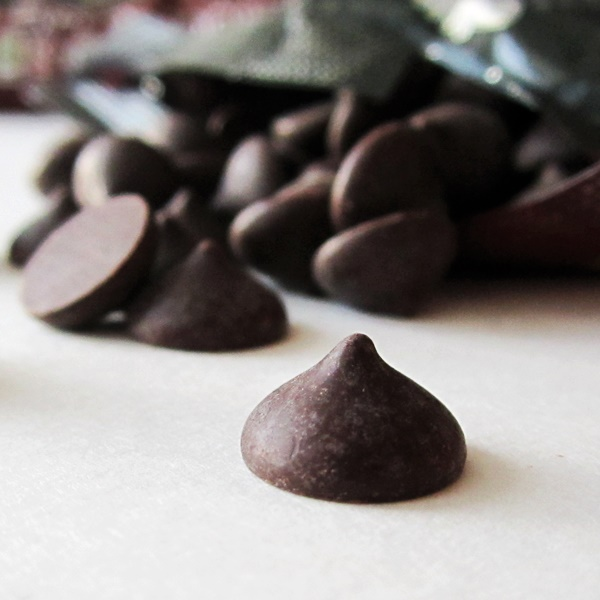 Pure Chocolate Wisdom: 5 Real Health Benefits of Dark Chocolate + Healthy Chocolate Truffle Snack Recipe