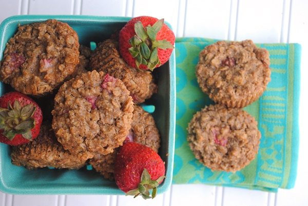 Berrylicious - Strawberry Oatmeal Muffins (dairy-free, gluten-free, vegan)
