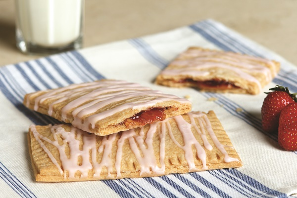 Peanut Butter and Jelly Breakfast Tarts - Better than Pop Tarts ...