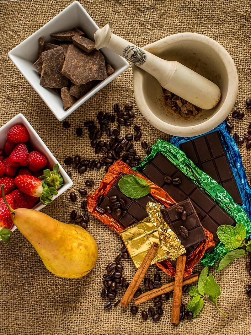 No Cow Chocolate Bars - Amazing Dairy-free Milk Chocolate Bars in a range of flavors (all vegan, gluten-free, top allergen-free and kid-friendly)