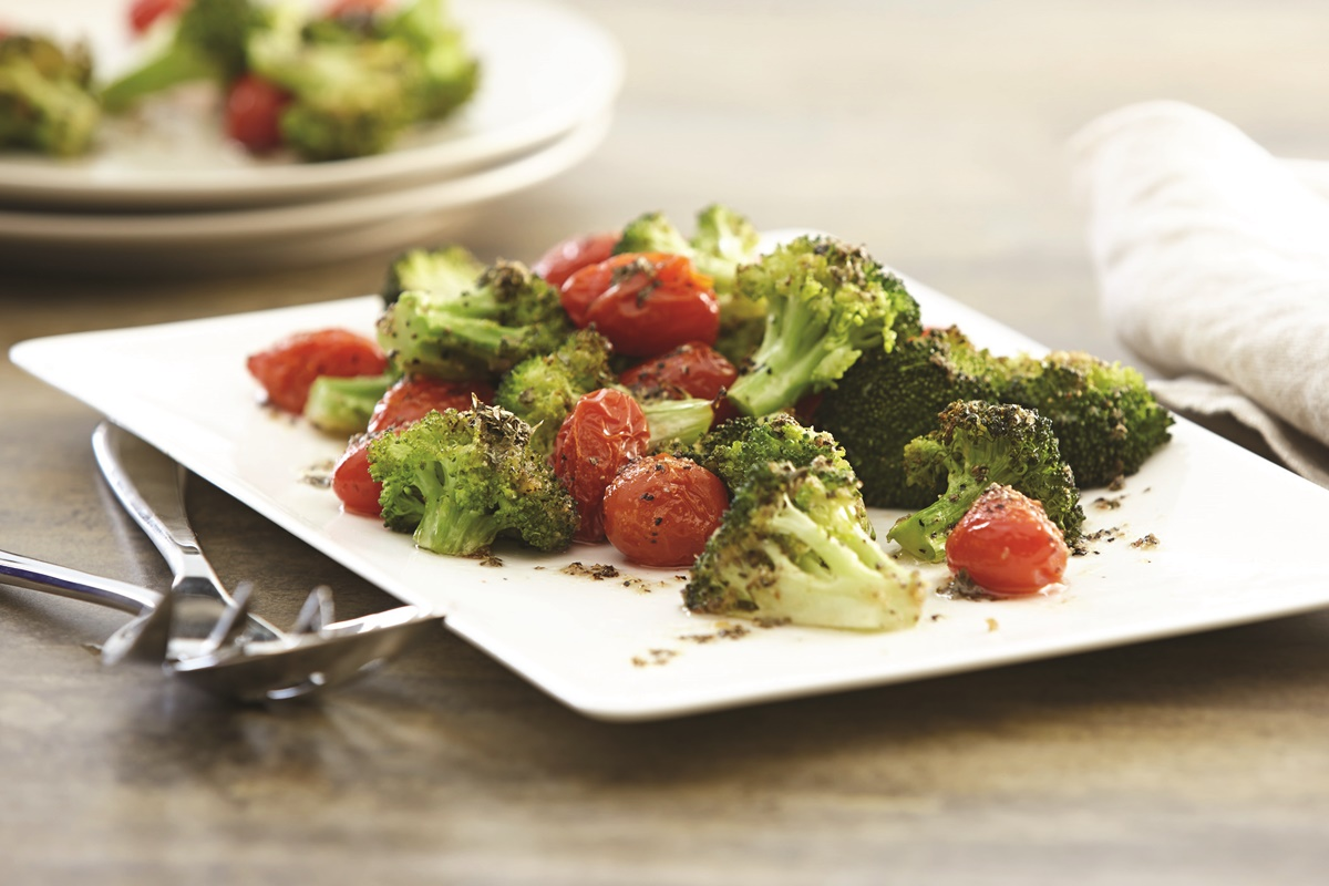 Garlic Roasted Broccoli and Tomatoes - delicious caramelized vegetables paired with basil, oregano and white wine vinegar