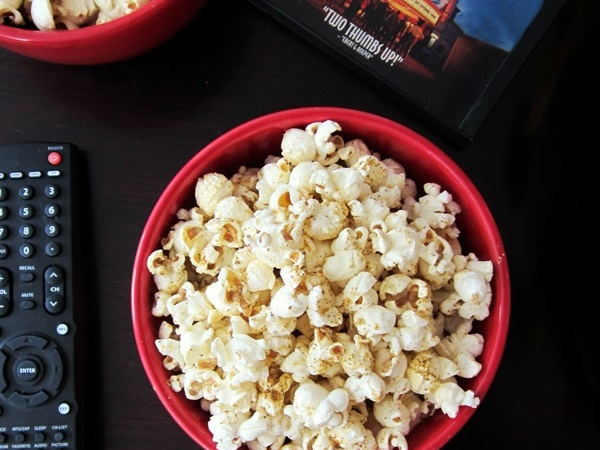 Nutritional Yeast Recipes - Cheesy Chia Popcorn