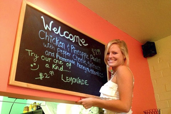 Good4You Cafe in Ocala Florida provides dairy-, egg-, and gluten-free options