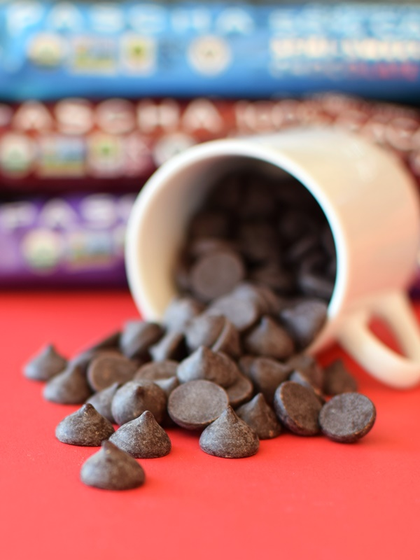 Pascha Organic Chocolate Chips - Semi-Sweet, Bitter-Sweet, and Unsweetened (Non-GMO, Fair Trade, Vegan, Gluten-Free, and Free of Top Allergens)