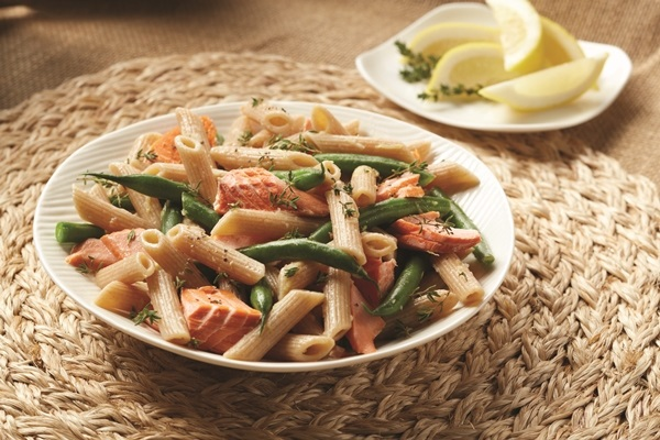 Salmon Pasta with Green Beans and Lemon-Thyme Vinaigrette - #dairyfree recipe (optionally glutenfree)