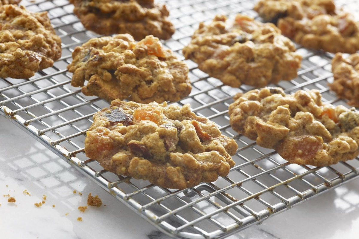 Healthy Vegan Granola Cookies - Dairy-free, gluten-free recipe from Superseeds!