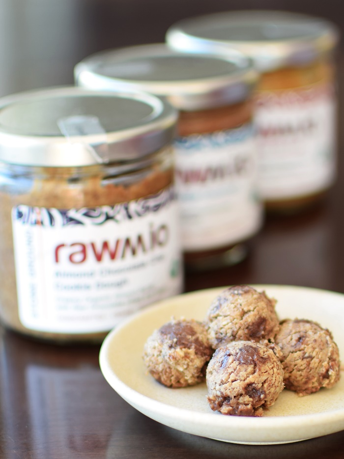 Rawmio Organic Spreads - Almond Chocolate Chip Cookie Dough (dairy-free, gluten-free, vegan, raw)