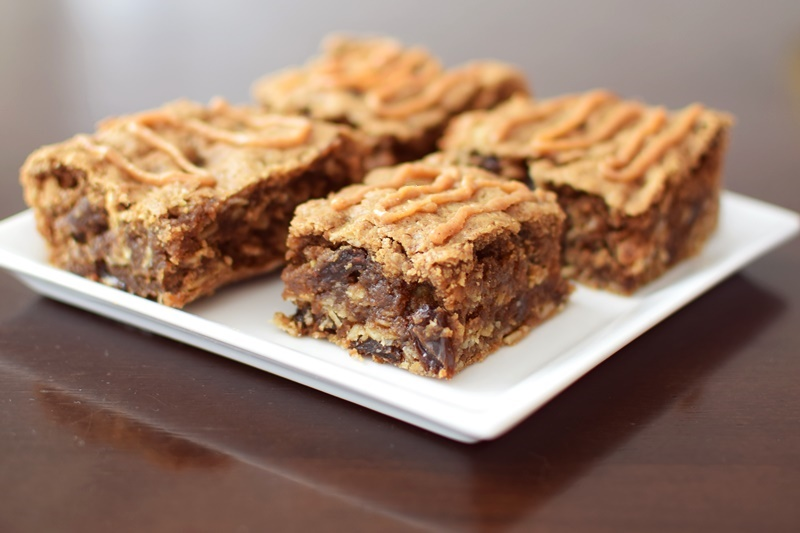 Perfectly Peanut Butter Oatmeal Bars Recipe - naturally vegan, gluten-free and nutritious treat (spiked with cinnamon and raisins)