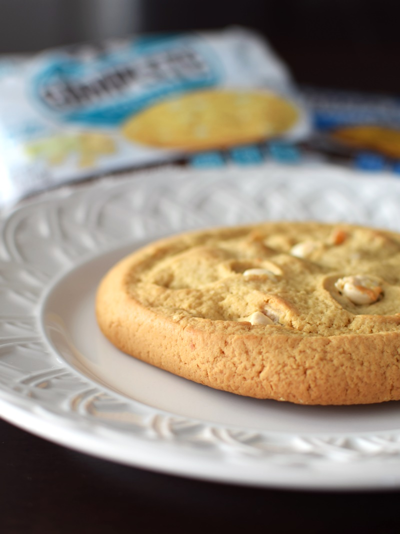 Lenny & Larry's The Complete Cookie - 5 Vegan, Dairy-Free Flavors (White Chocolate Macadamia shown)