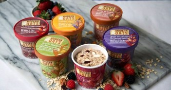 Modern Oats All-Natural Oatmeal Cups - incredible flavors like Mango Blackberry and Gojj Blueberry make these convenient cups a dairy-free, gluten-free, and vegan healthy treat!