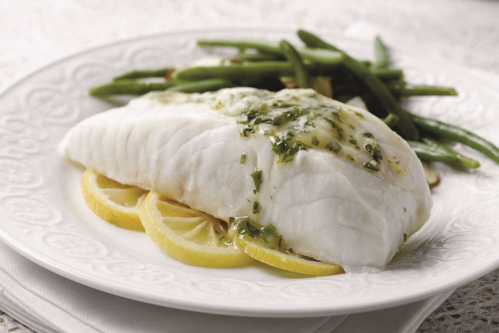 One Pan Steamed Fish With Lemon White Wine Sauce
