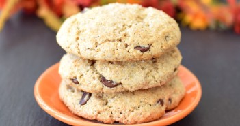Vanilla Chocolate Chip Muffin Tops!! Crisp on top with a lightly tender middle, and no special pan required! A naturally dairy-free, gluten-free, vegan recipe.