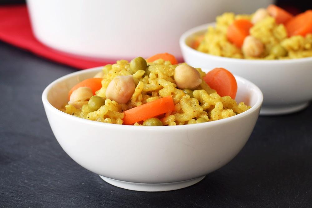 Super-Easy Vegan Baked Curry Risotto Recipe! (5 min prep, no stir, pantry recipe, gltuen-free, soy-free, dairy-free)