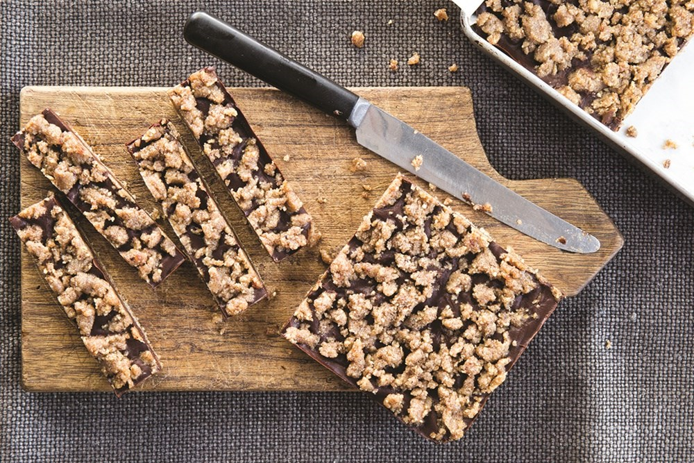 chocolate pecan crumble bars