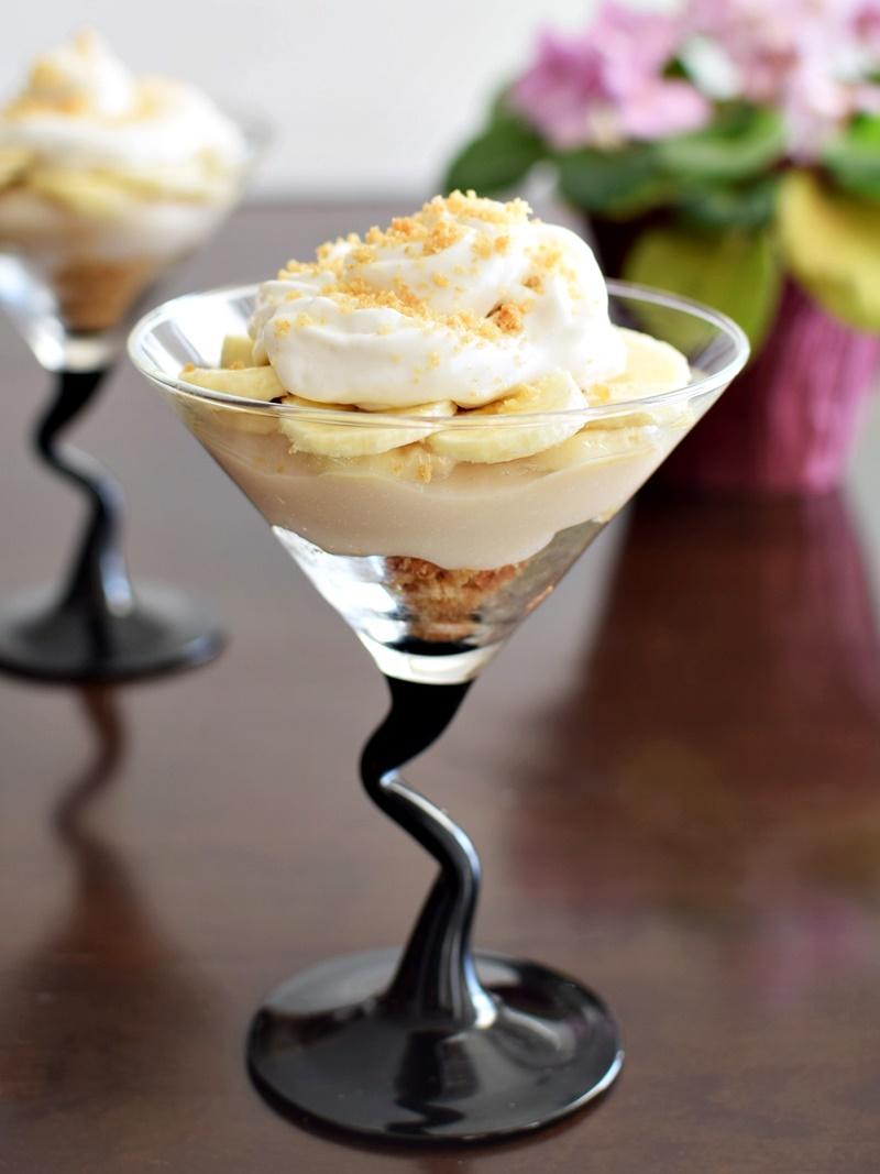 Deconstructed Banana Cream Pie Parfaits - An easy, impressive dessert! Dairy-free, gluten-free, vegan recipe.