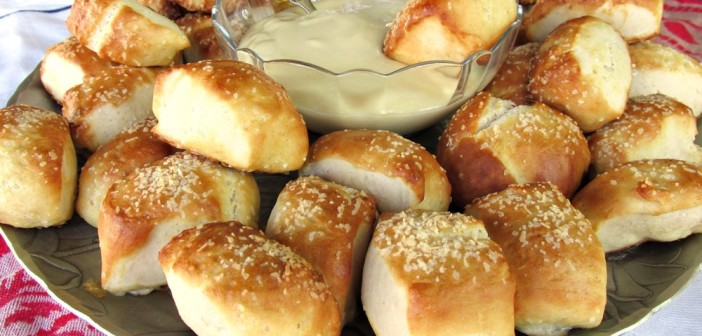 Bavarian Pretzel Bites with Honey Mustard Dip
