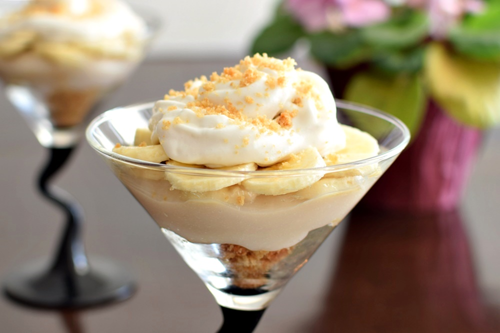 Deconstructed Banana Cream Pie Parfaits - An easy, impressive dessert! Dairy-free, gluten-free, vegan recipe.