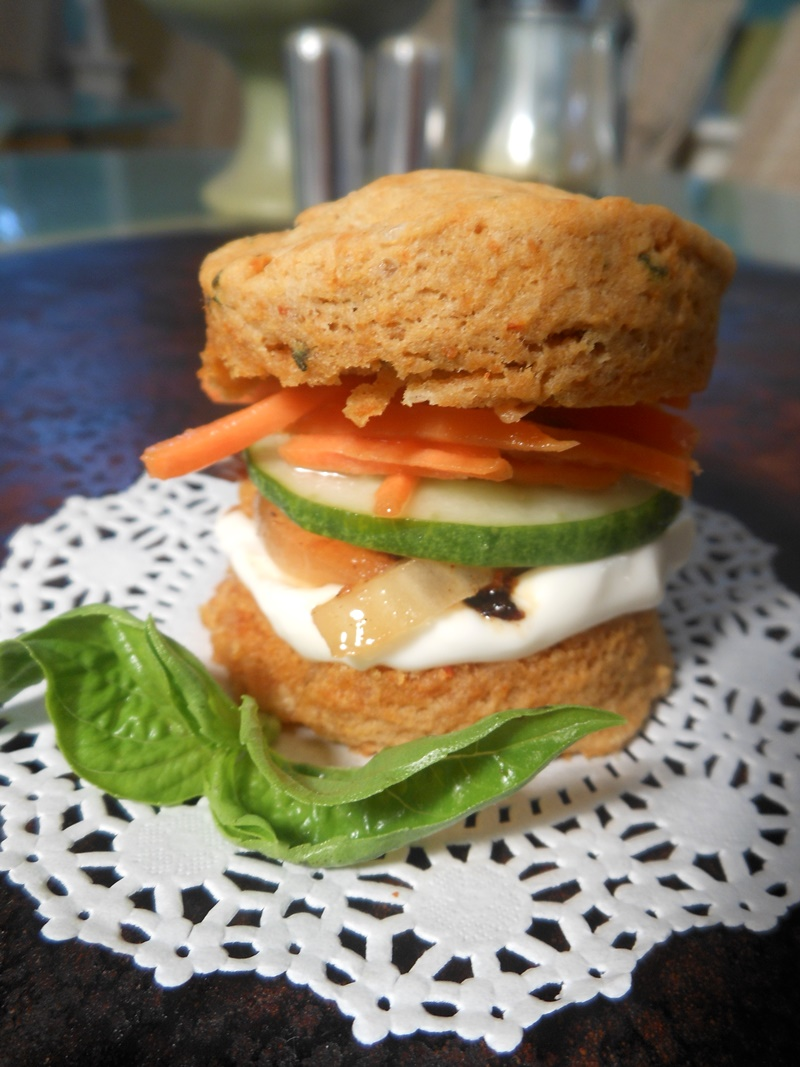 Thai Biscuit Mini Sandwiches with Quick Pickled Vegetables and Garlic Aioli - the delicious biscuits are infused with basil, red curry, and more! Naturally dairy-free and vegan recipe.