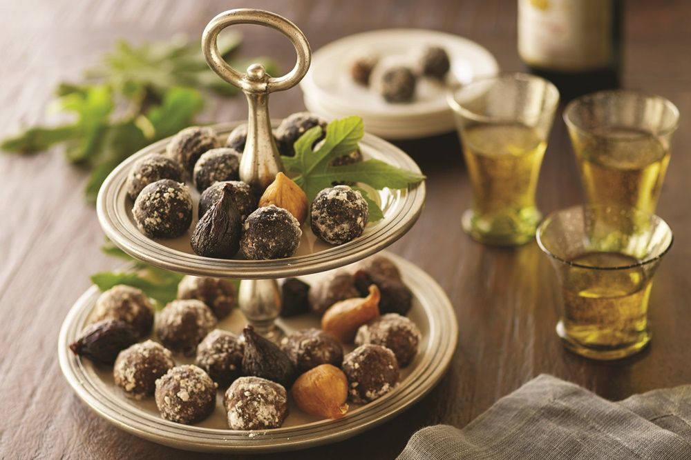 Easy Spirited Fig Balls: Gingerbread Brandy and Chocolate Amaretto - a great make-ahead recipe (dairy-free, vegan, optionally gluten-free)