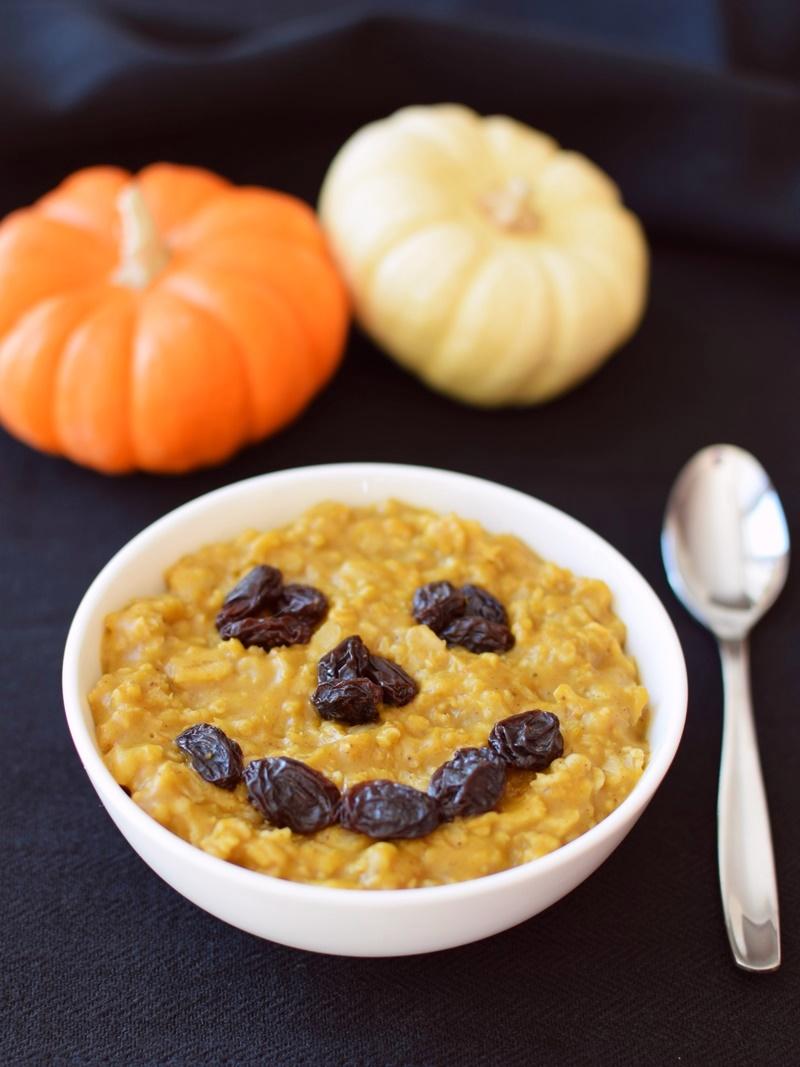 Warm, comforting Pumpkin Pie Oatmeal (dairy-free, gluten-free, vegan)