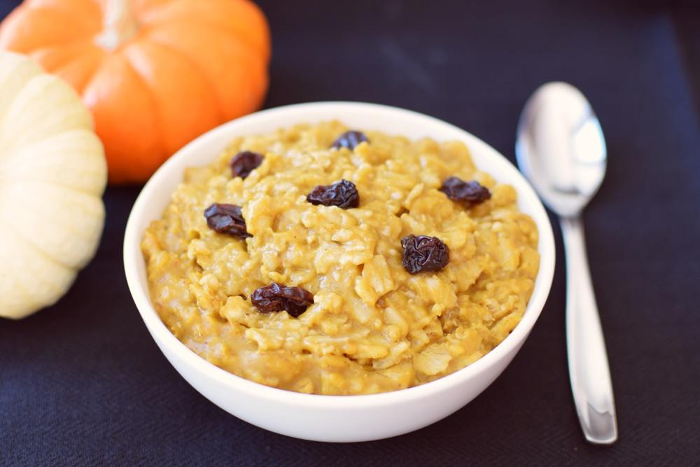 Pumpkin Pie Oatmeal Recipe (Dairy-Free, Gluten-Free)