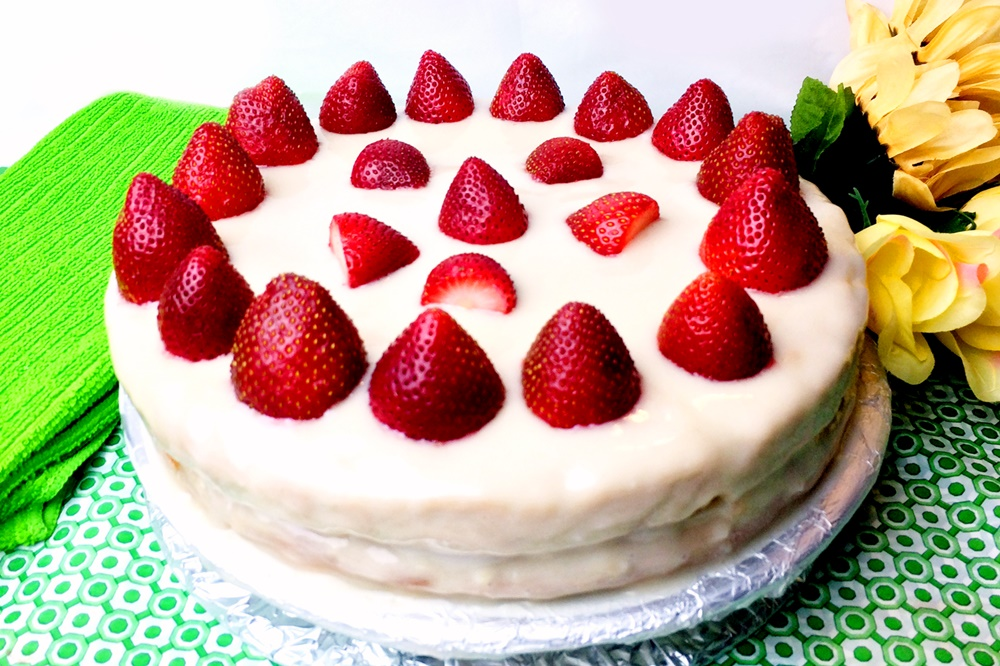 Vegan Strawberry Cream Cake