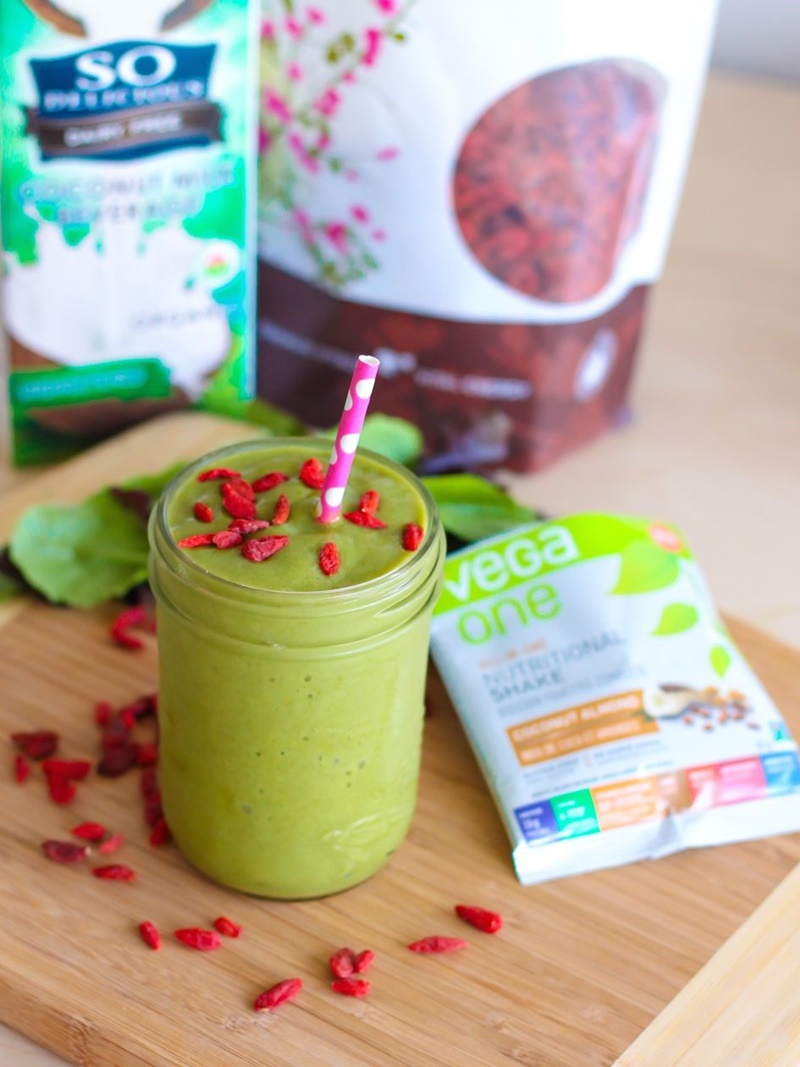 Goji Coconut Christmas Smoothie - a healthy, nutrient-dense, sweet recipe with the visual spirit of the holidays!