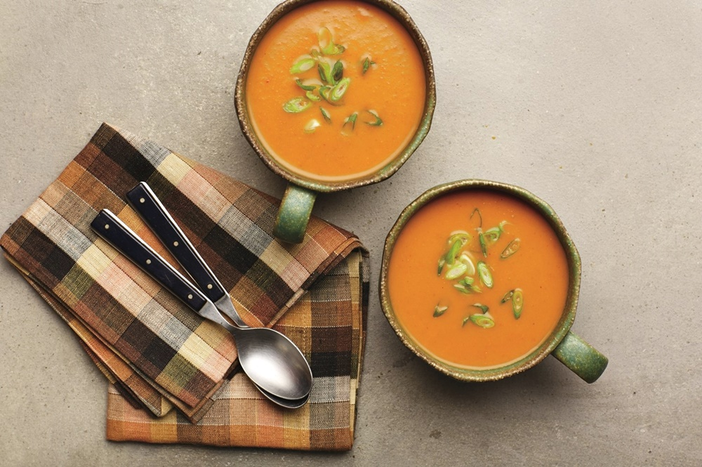 5-Ingredient Pumpkin Curry Soup