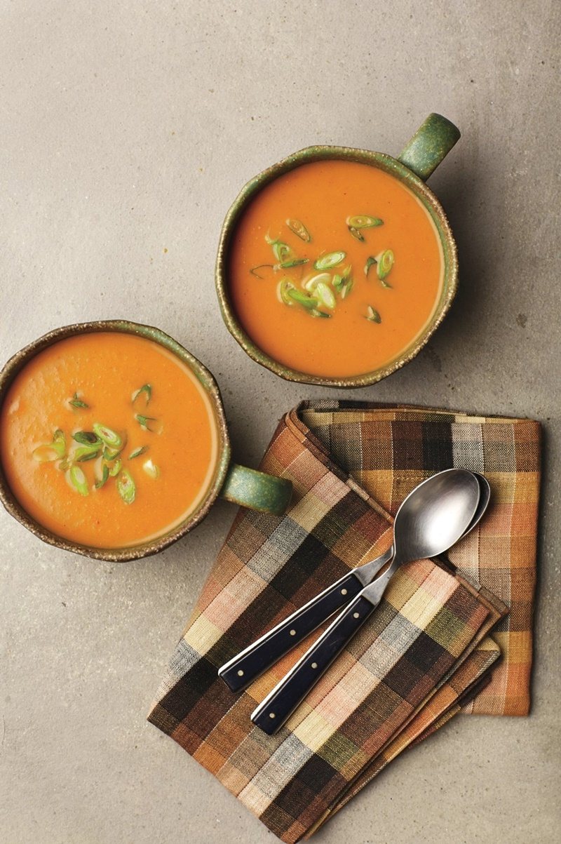5-Ingredient Pumpkin Curry Soup