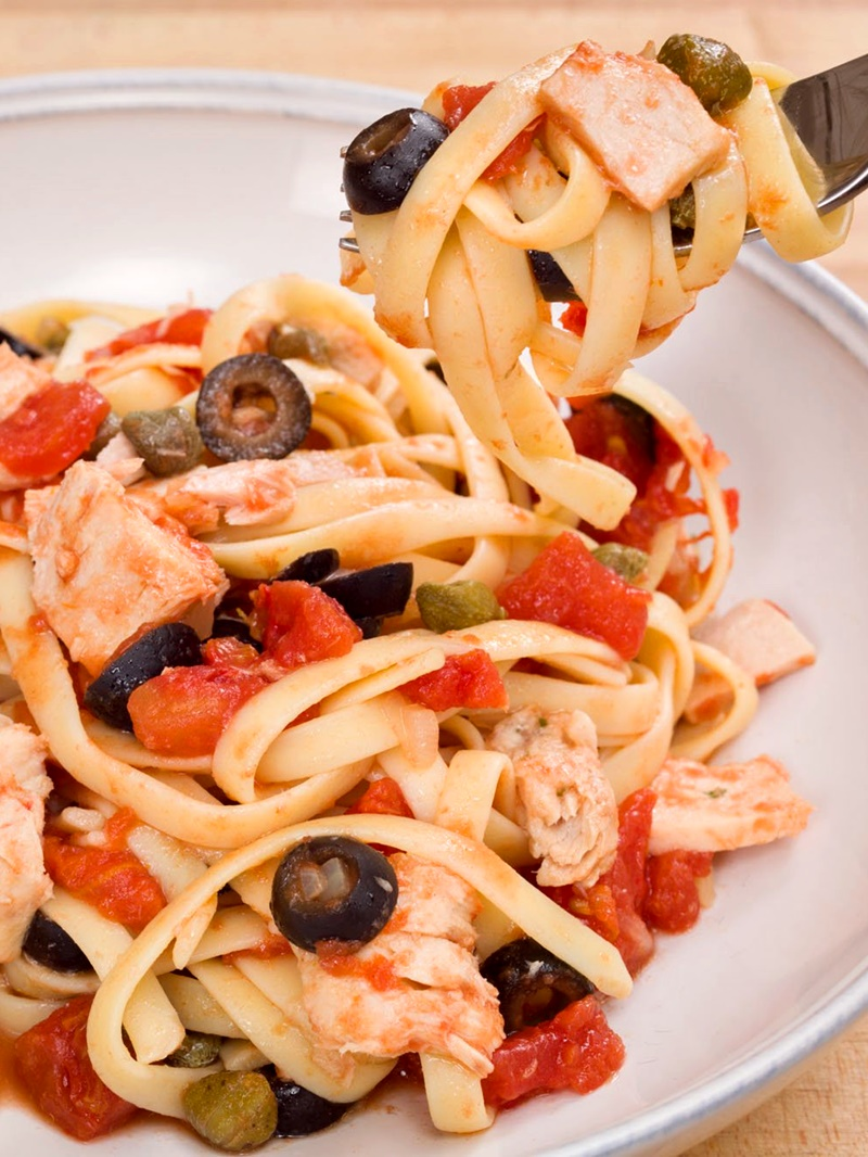 20-Minute Italian Tuna Fettuccine with Tomatoes, Capers and Olives - a quick pantry recipe that's dairy-free, gluten-free optional.