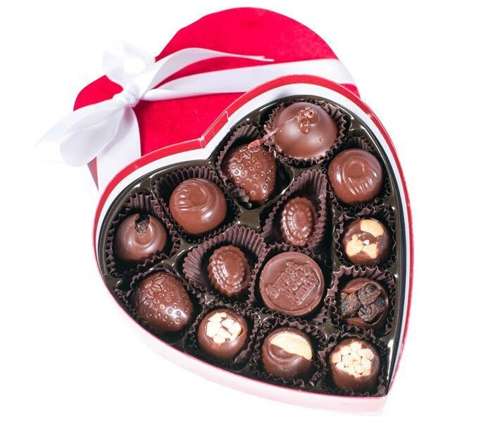 Guide to the Best Dairy-Free Valentine Chocolate: Vegan, Gluten-Free, Food Allergy-Friendly, Organic, Fair Trade & more! Pictured: Sweet Pete's Vegan Valentine Chocolate Box