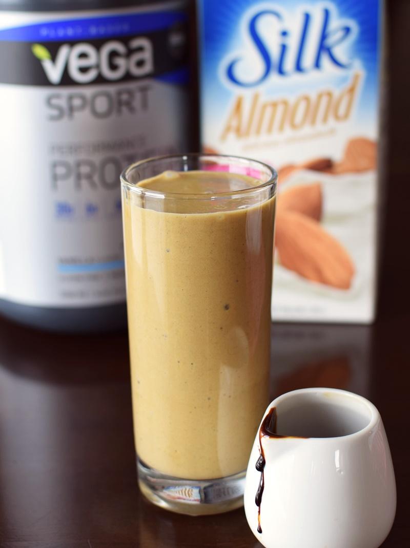 Easy Molasses Protein Shake Recipe: dairy-free, vegan and oh-so nourishing!
