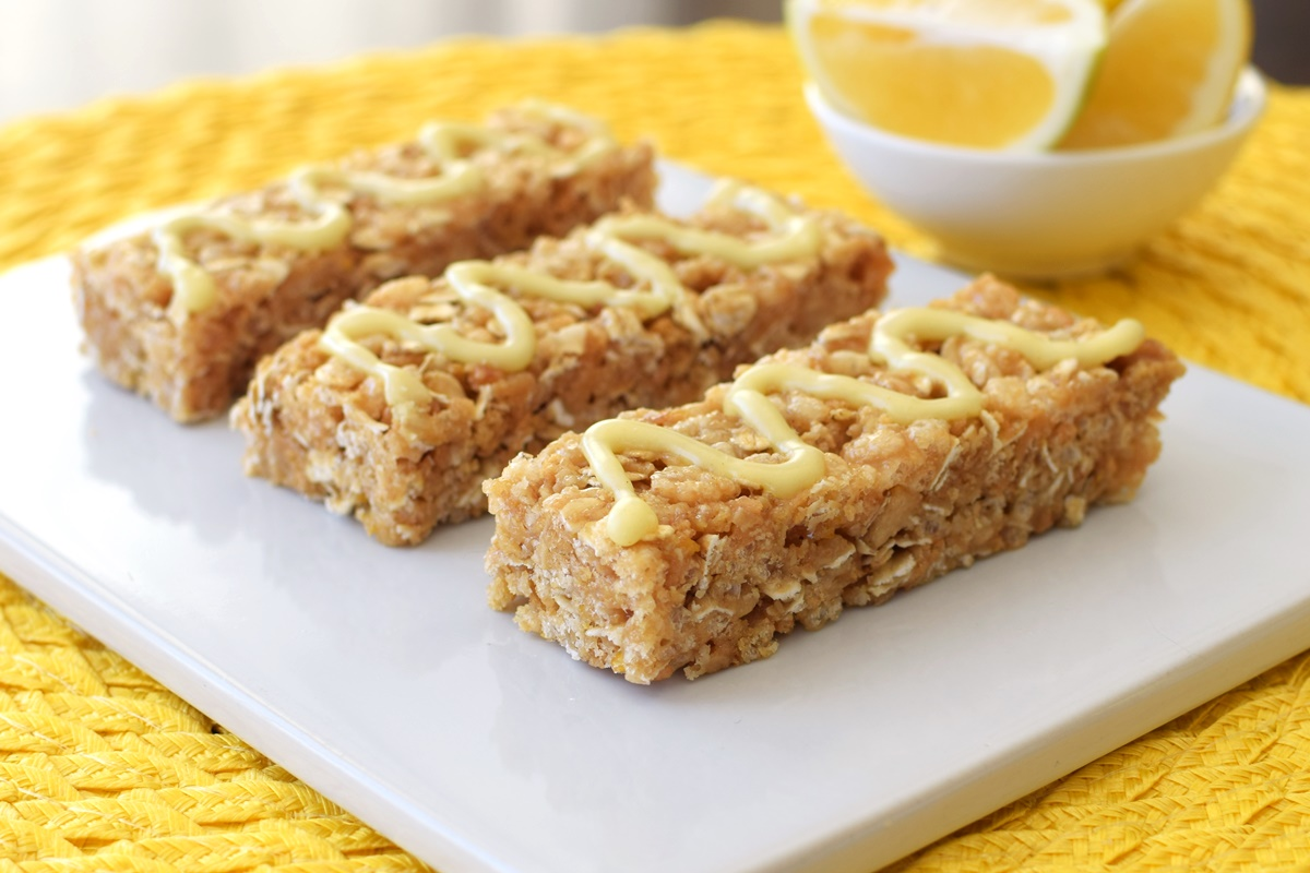 No-Bake Lemon Cookie Granola Bars
