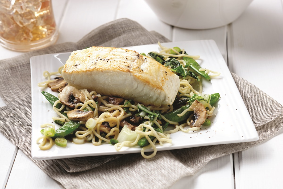 Miso Soba Noodle Stir Fry with Halibut (Dairy-free, optionally Gluten-free Recipe by professional athletes)