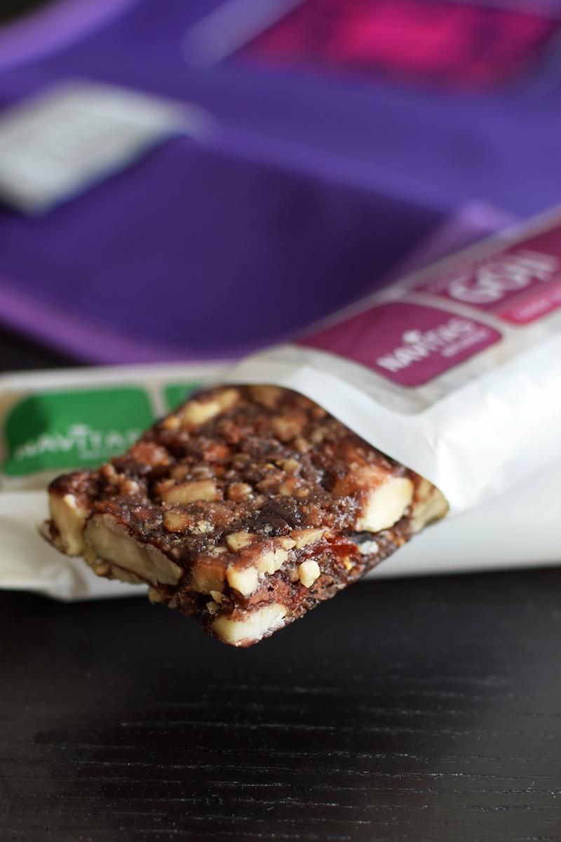 Navitas Naturals Superfood Bars - dairy-free, gluten-free & organic (Maca, Hemp, Cacao & Goji varieties)