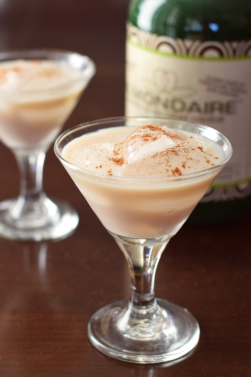 Almondaire Almond-Base Creme Liqueur (Review) - dairy-free, gluten-free and vegan!