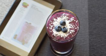 Brain-Boosting Blueberry Smoothie Recipe (dairy-free) + Texture App Free Trial (over 175 Magazines with Back Issues at your finger tips!)