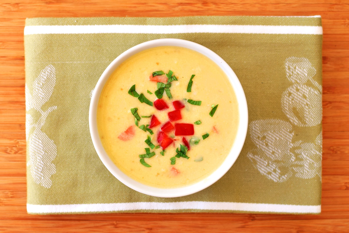 Dairy-Free Corn Soup - a fresh, creamy, healthy summer recipe (vegan, paleo)