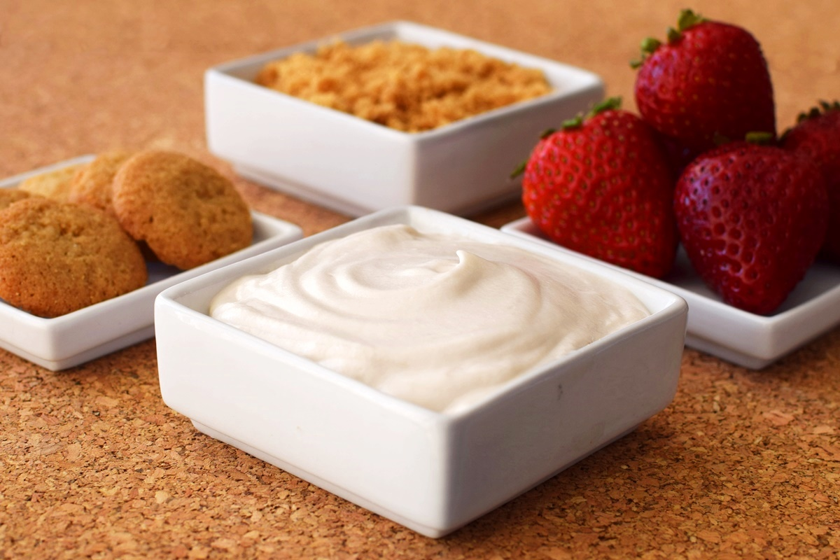 Dairy-Free Cheesecake Dip Recipe - a 10 minute treat! (vegan, gluten-free and top allergen-free)