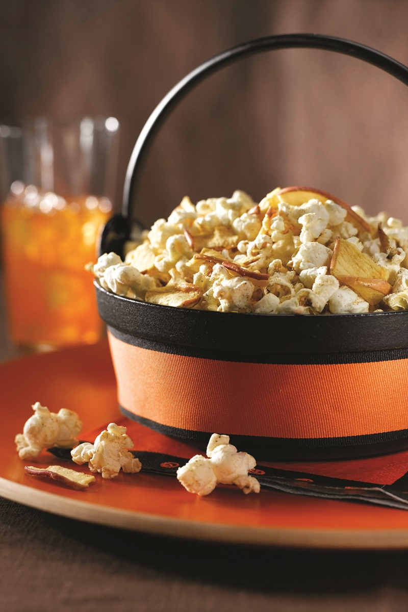 Crisp Apple Cinnamon Popcorn